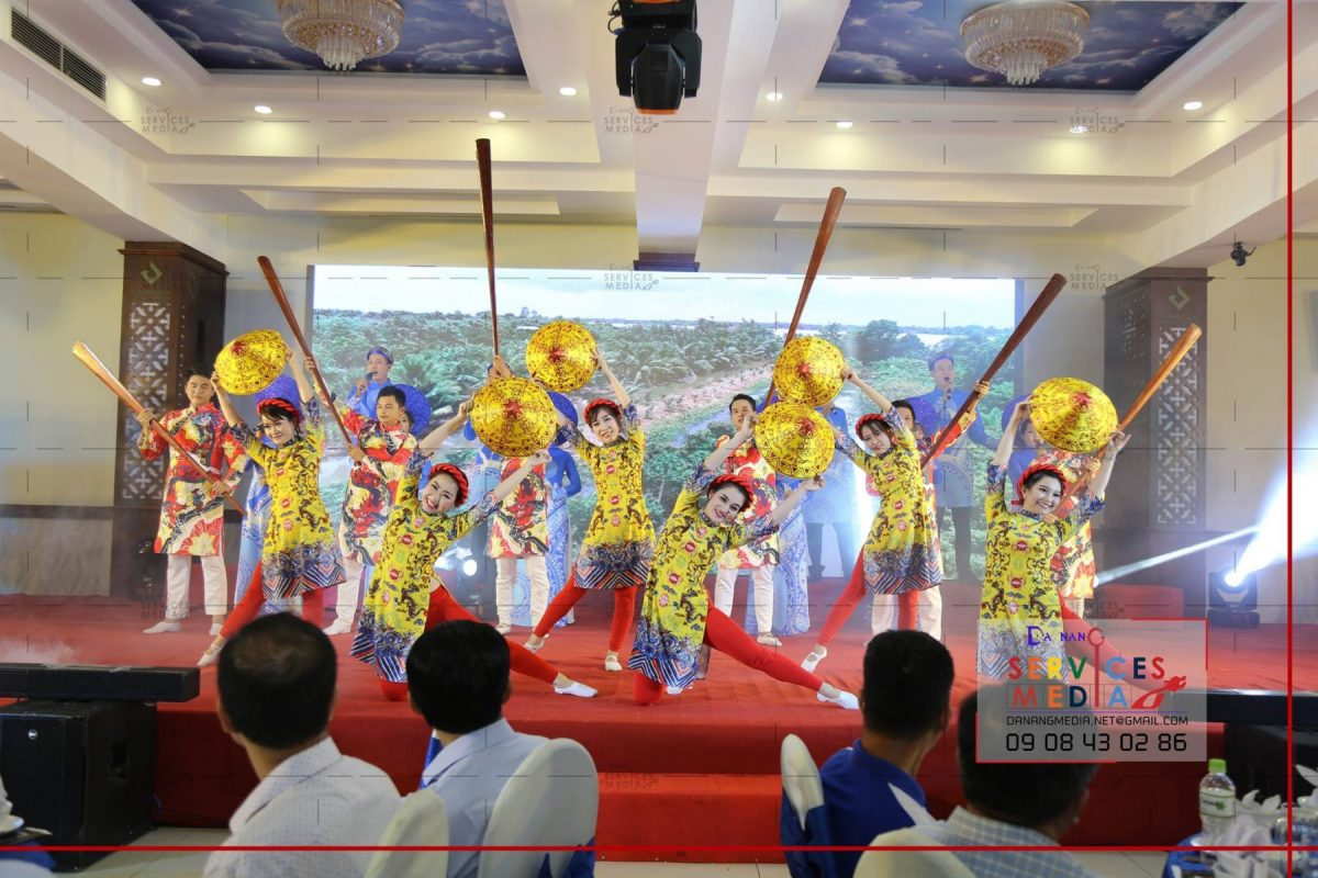 traditional music band da nang