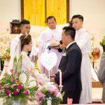 Chụp ảnh lễ cưới trong nhà thờ tại Đà Nẵng
